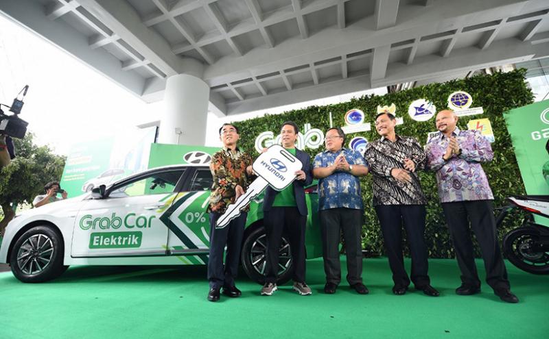 Hyundai dan Grab Buka Layanan Mobil listrik