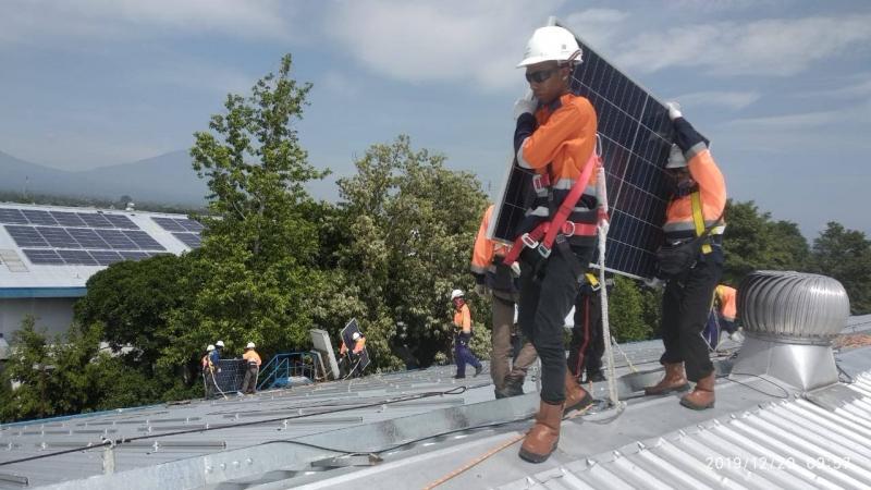 Photo of Danone-Aqua Segera Operasikan PLTS Atap di Pabrik Klaten 2.912 KWp
