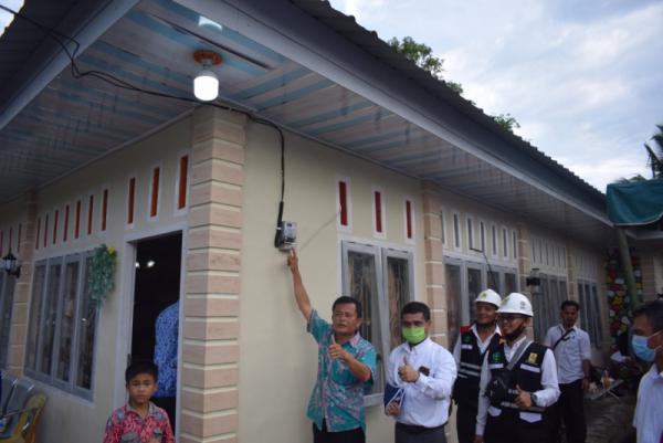 Photo of Hadiah Kemerdekaan, PLN Listriki 7 Desa di Pulau Nias
