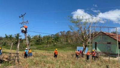 Photo of Kondisi Geografis Menantang, Tim PLN Sukses Pulihkan Listrik di Pulau Sabu
