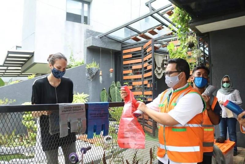 Ajak Warga Pilah Sampah, Pemprov Bangun  Jakarta Recycle Center