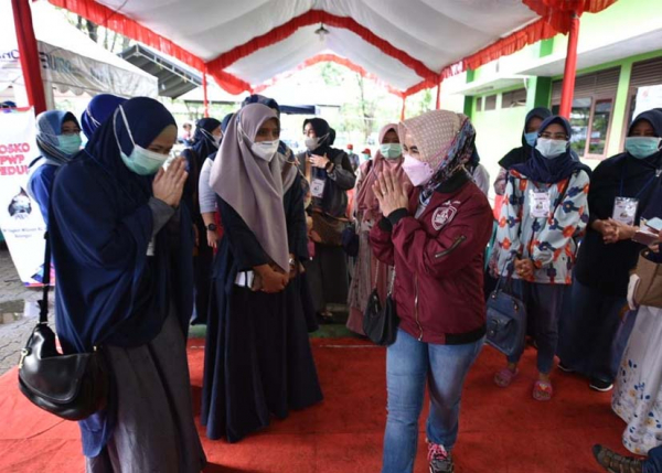 Dirut Pertamina Cek Pengungsian Pastikan Penanganan Baik bagi Warga Terdampak