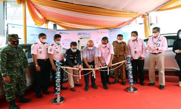 Perdana, PLN Hadirkan SPKLU di Tol Trans Sumatera