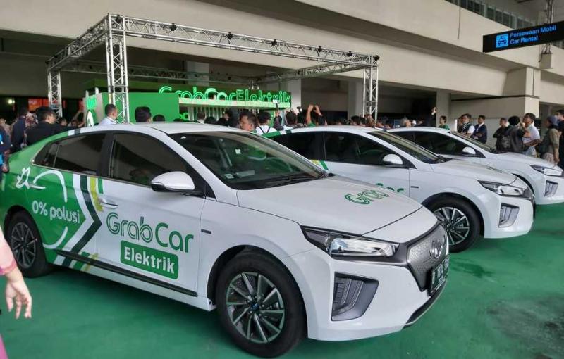 Taksi Listrik Grab Mulai Ramaikan Bandara Soetta