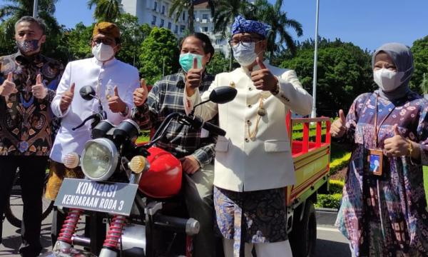 Tekad Jawa Barat Jadi Pionir Pemakaian Kendaraan Listrik