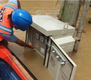 Photo of Pasca Banjir Kalbar dan Kalsel, PLN Normalkan Kembali Aliran Listrik