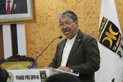 Photo of PKS: Terkait Pembangunan Jargas, Pemerintah Terkesan Tidak Serius