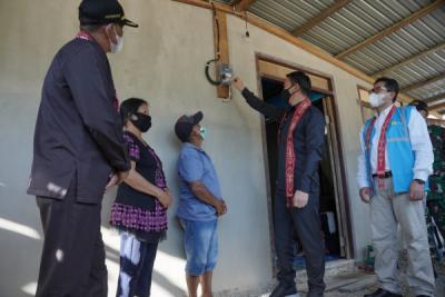 Photo of PLN Alirkan Listrik Desa Perbatasan Indonesia – Malaysia di Kalbar