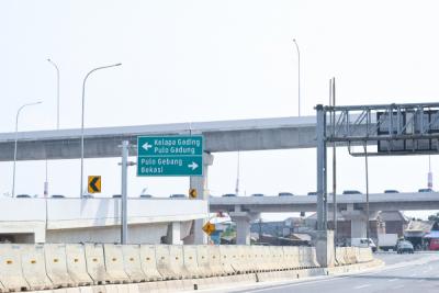 Photo of PLN Suplai Listrik untuk Tol Layang Pulogebang – Kelapa Gading