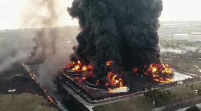 Photo of Presiden Serikat Pekerja Pertamina Minta Kepolisian Usut Tuntas Kebakaran Kilang Balongan