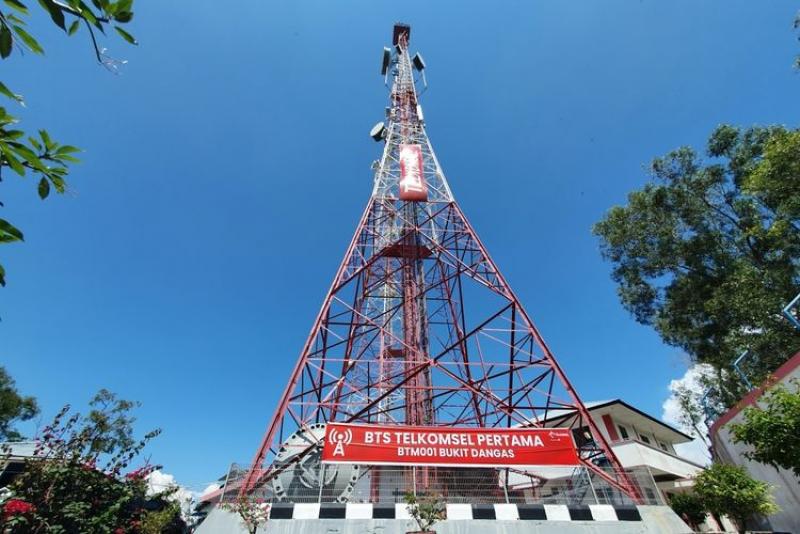 Photo of Ribuan Menara Telkomsel Dijual Ke Mitratel