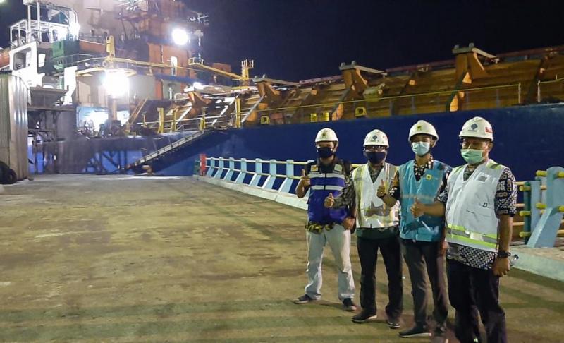 Photo of Sinergi PLN dan PELINDO III, Sambung Baru Listrik Pelabuhan Tanjung Intan