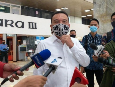Photo of Wakil Ketua DPR RI Tanggapi Interupsi Pembubaran Komisi VII